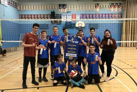 Volleyball scolaire: l'école secondaire Saint-Damien se distingue